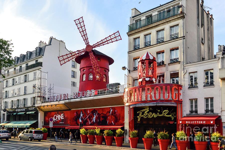 The Moulin Rouge In Paris Photograph by Starcevic