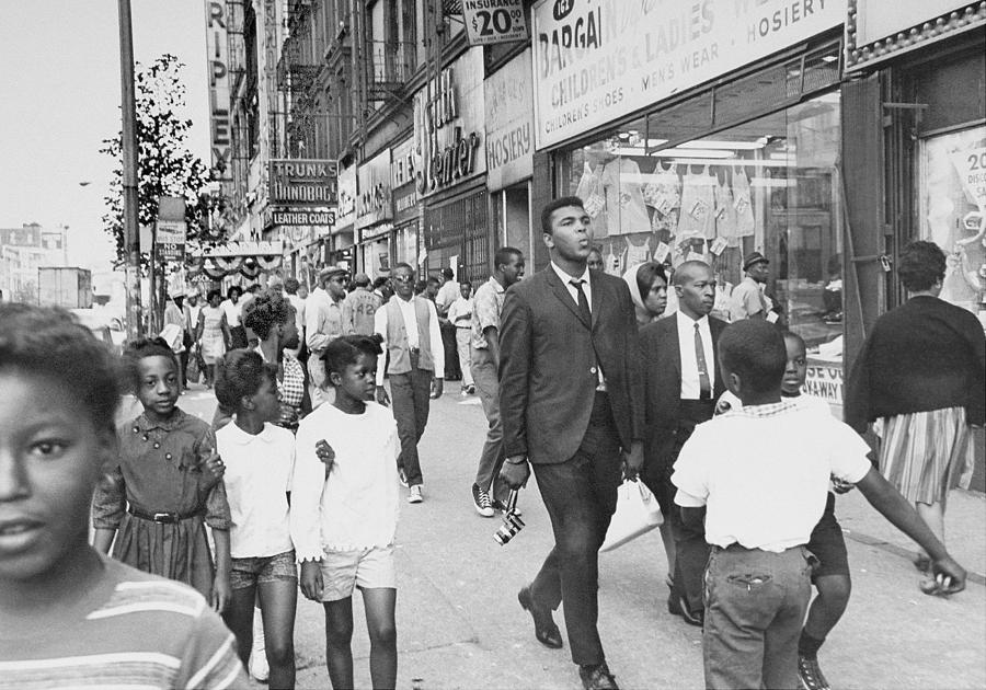 The Pied Piper Of Harlem, Cassius Clay Photograph by New York Daily News Archive