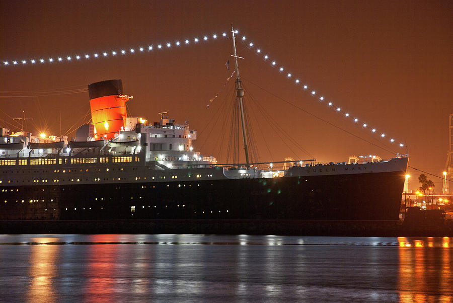 The Queen Mary by Richard Gibb