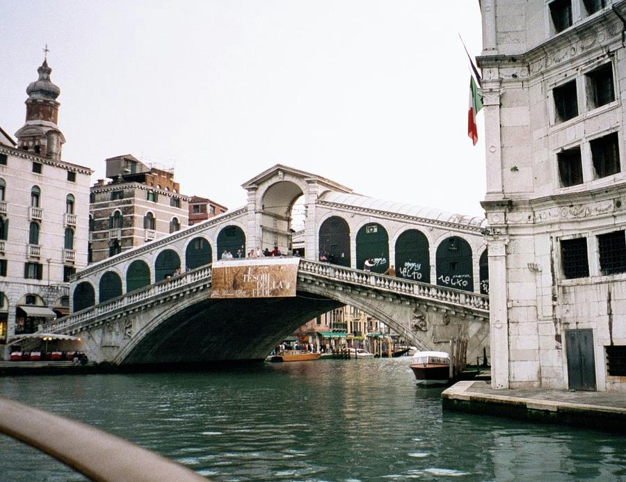 Italy Photograph - The Rialto Bridge  by Dick Goodman