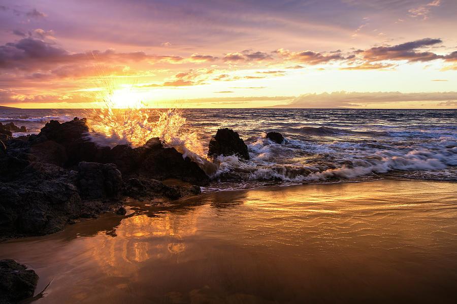 The Sun Sets With An Ocean Splash by Jenna Szerlag