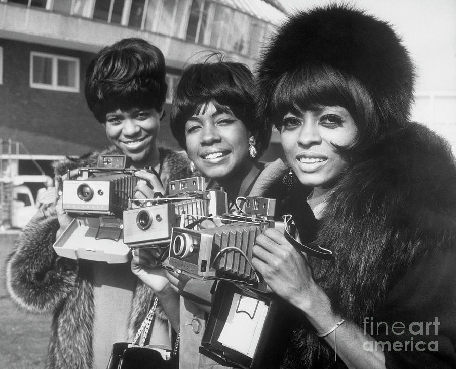 The Supremes With Cameras In London Photograph by Bettmann