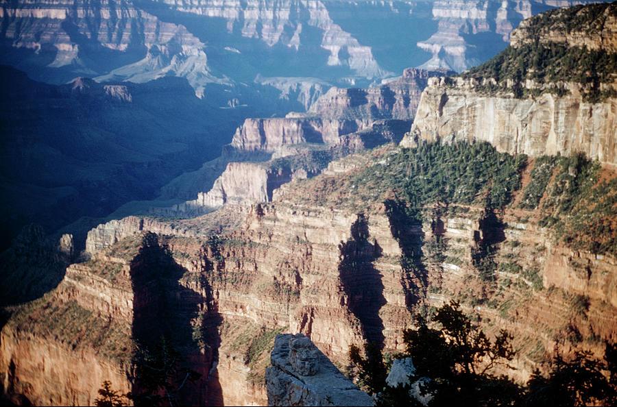 The Towering Walls Of The North Rim Of The Grand Canyon National Park Gran100 00315