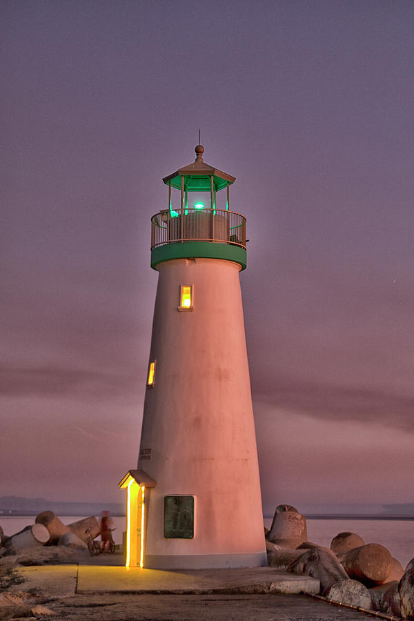The Walton Lighthouse by Tom Kelly