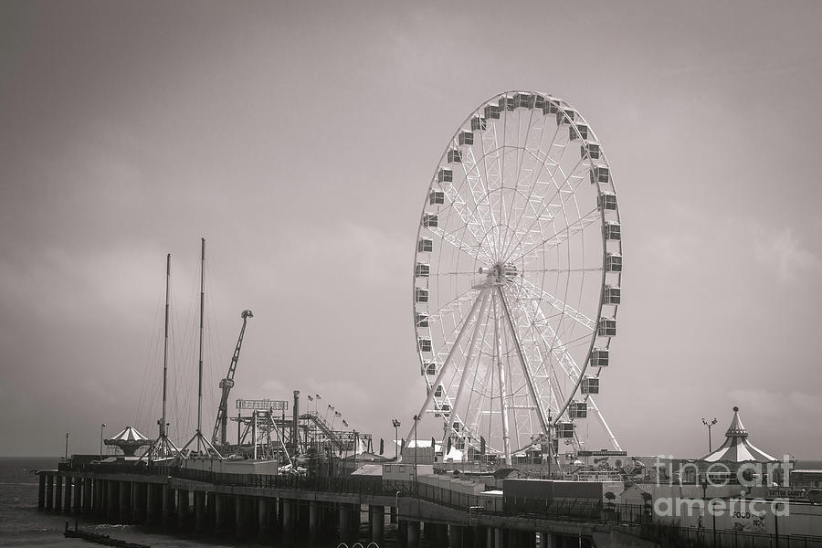 The Wheel at The Steel Pier by Colleen Kammerer