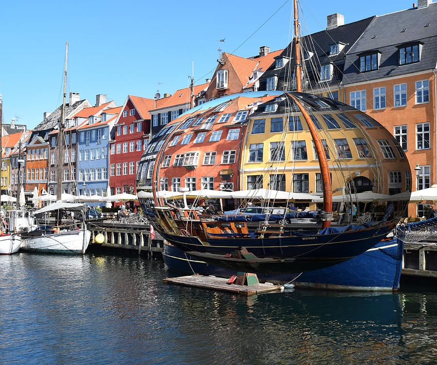 The World of Nyhaven Copenhagen by Gary Smith