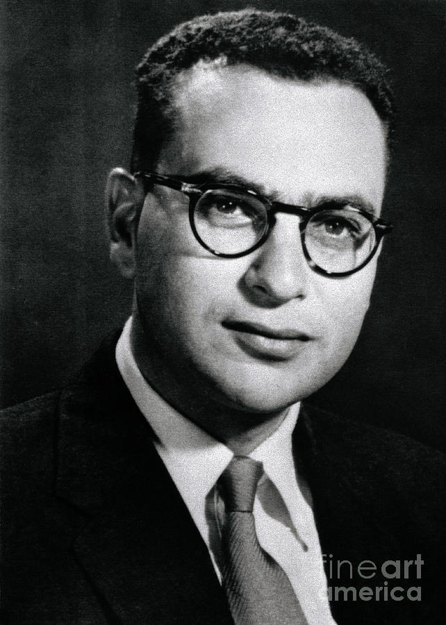 Theoretical Physicist Dr. Murray Photograph by Bettmann