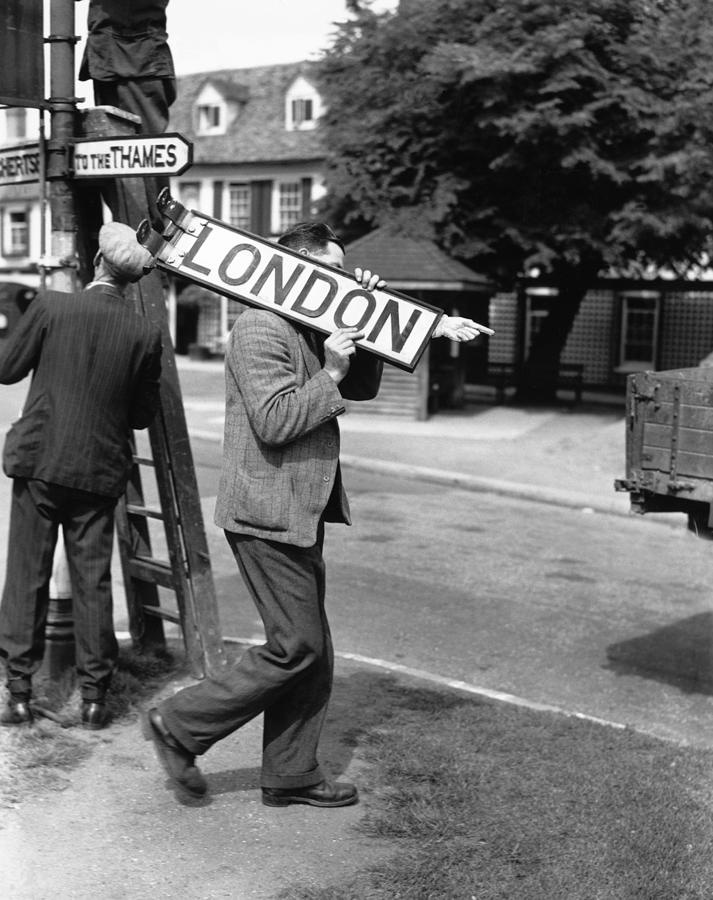 They Went That Way Photograph by A R Tanner