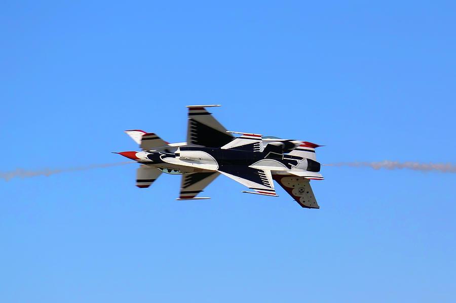 Thunderbirds Opposing Pass - Air Force - Air Show by Jason Politte