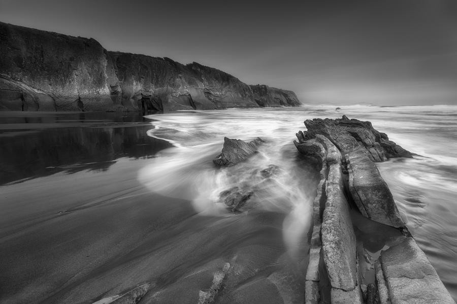 Beach Photograph - Tide Days by Oskar Baglietto