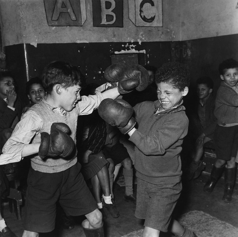 Tiger Bay Boxers Photograph by Bert Hardy