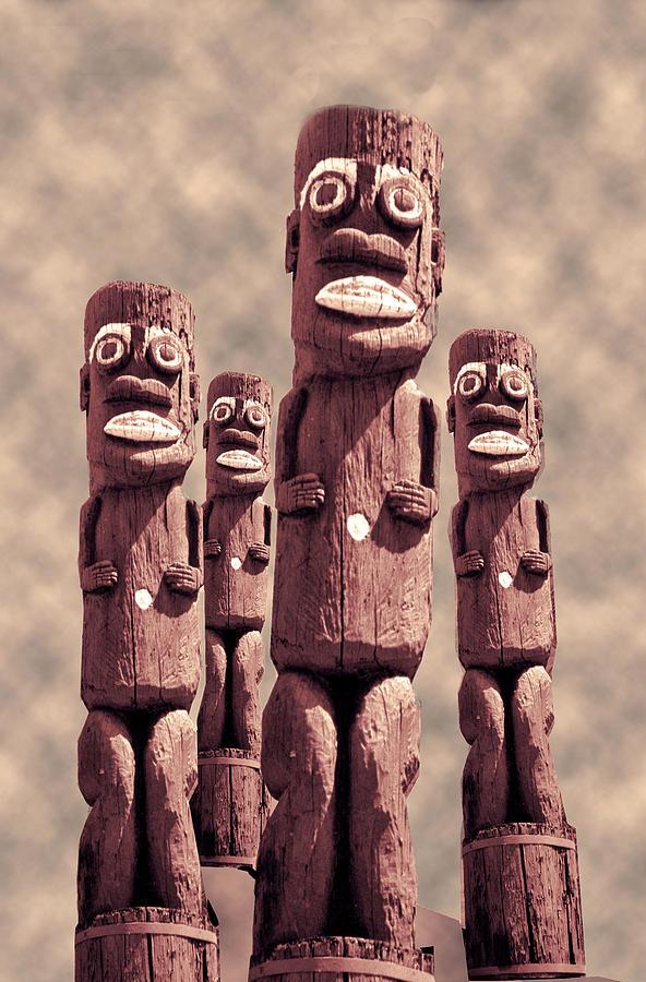 Tikis Honolulu  by Matthew Bamberg
