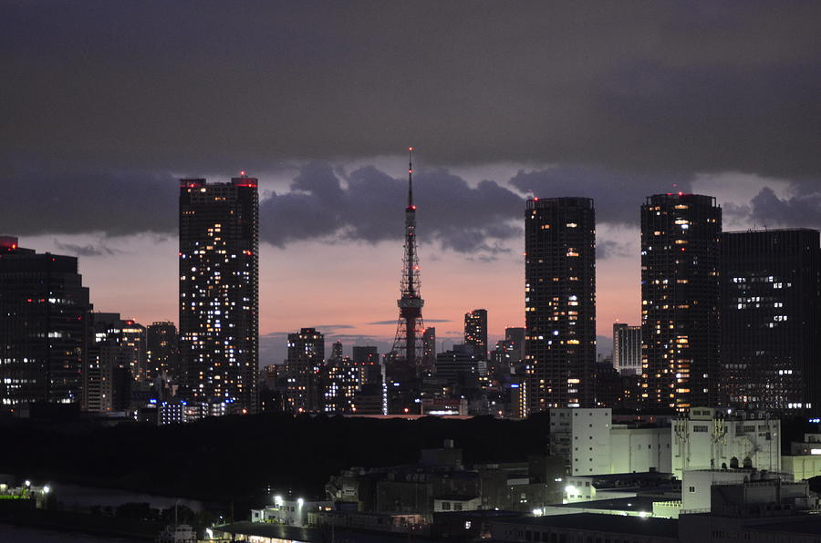 Tokyo Tower At Evening Photograph by Keiko Iwabuchi