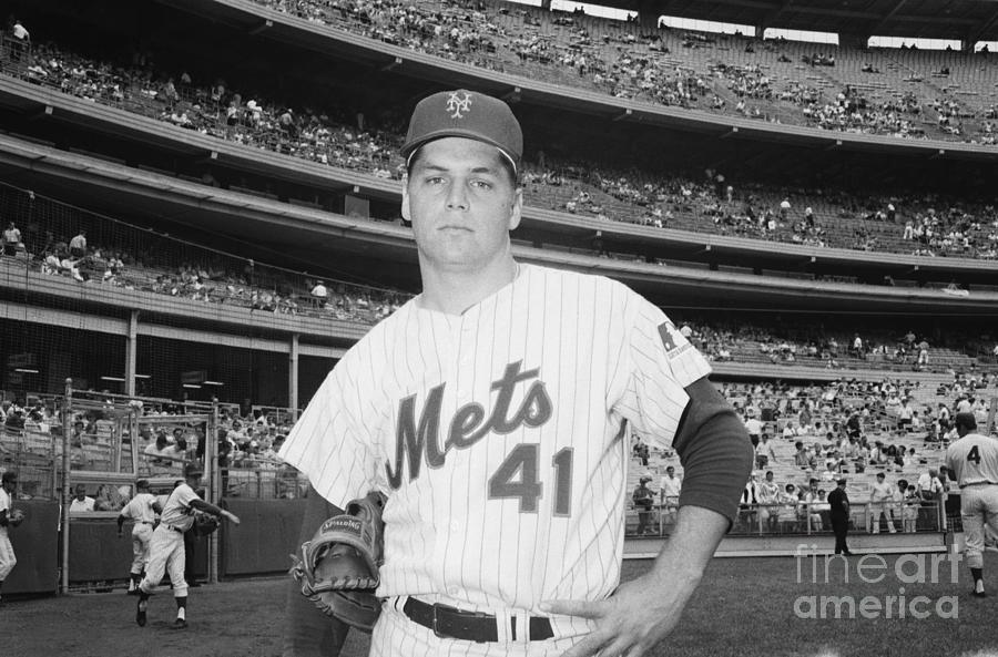 Tom Seaver Photograph by Bettmann