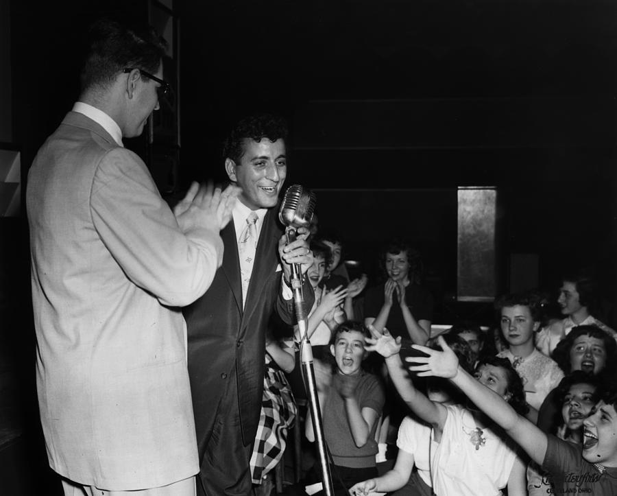 Tony Bennett Photograph by Hulton Archive