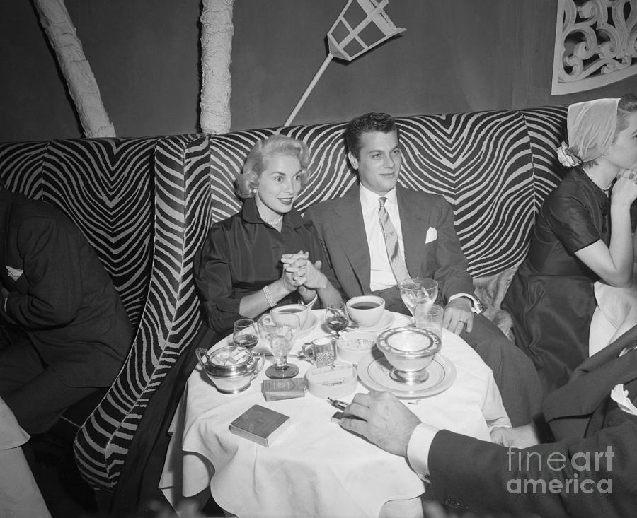 Tony Curtis And Janet Leigh At El Photograph by Bettmann