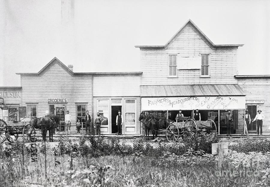 Trading Center Of Emerging Frontier Photograph by Bettmann