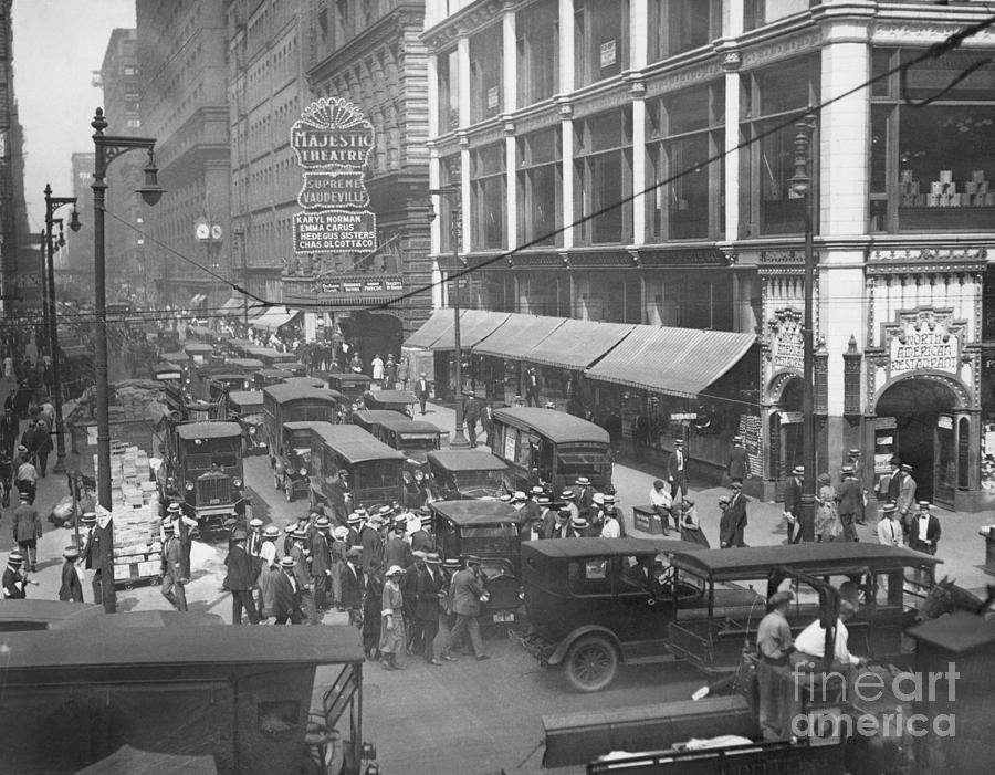 Traffic On State Street Photograph by Bettmann