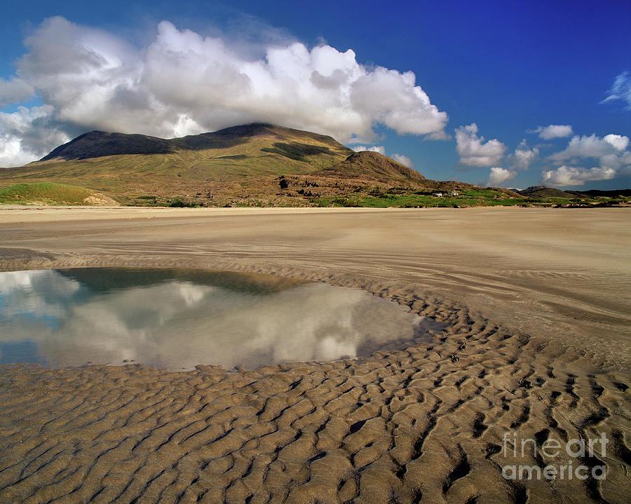 Trawleckachoolia Beach by Edmund Nagele