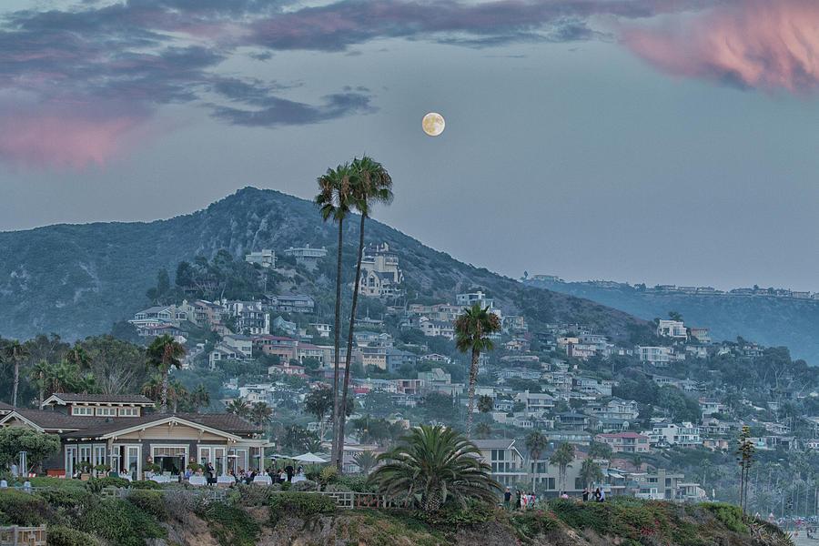 Treasure Island Moonrise by Tom Kelly