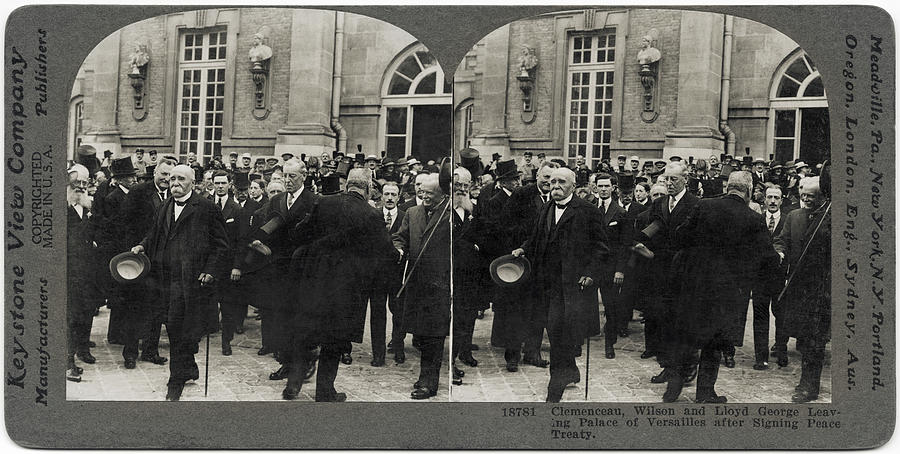 Treaty Of Versailles Photograph by Hulton Archive
