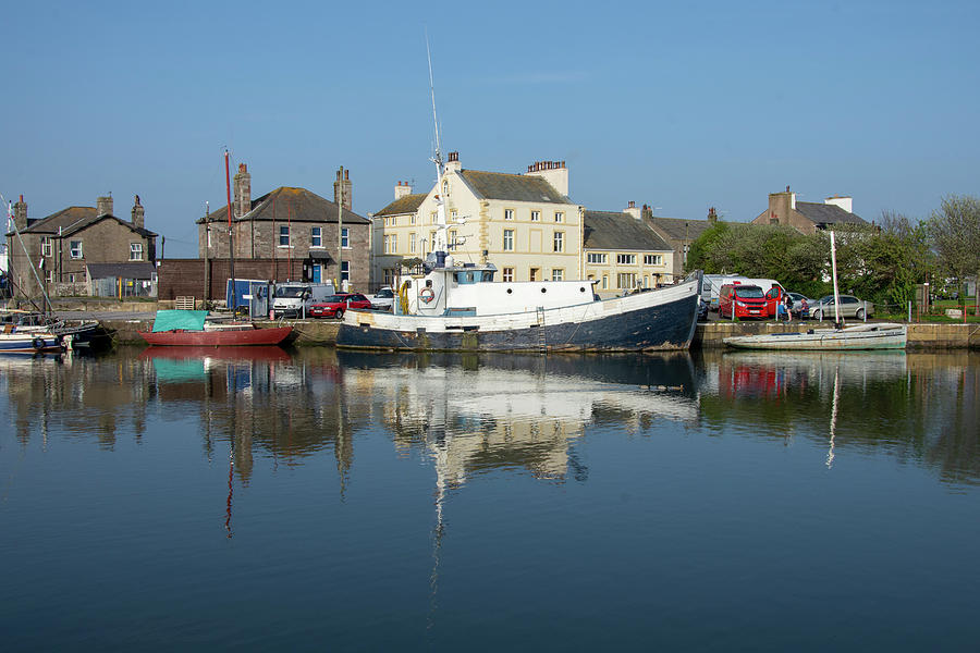 Glasson Photograph - Trefusis Gy242 At Glasson Dock by Steev Stamford