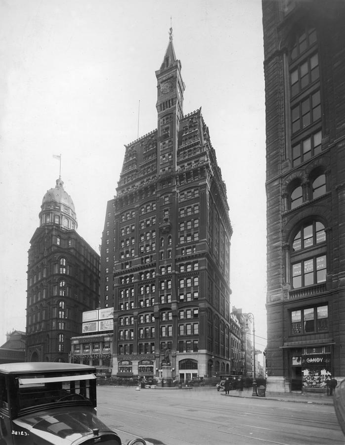 Tribune Building Photograph by Edwin Levick