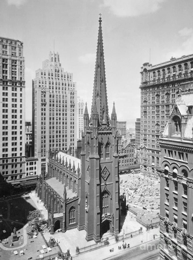 Trinity Church On Wall Street Photograph by Bettmann