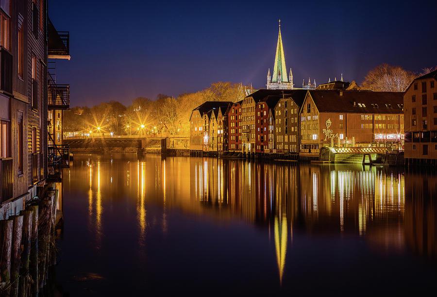 Trondheim night with Nidelva Mirror  by Aziz Nasuti
