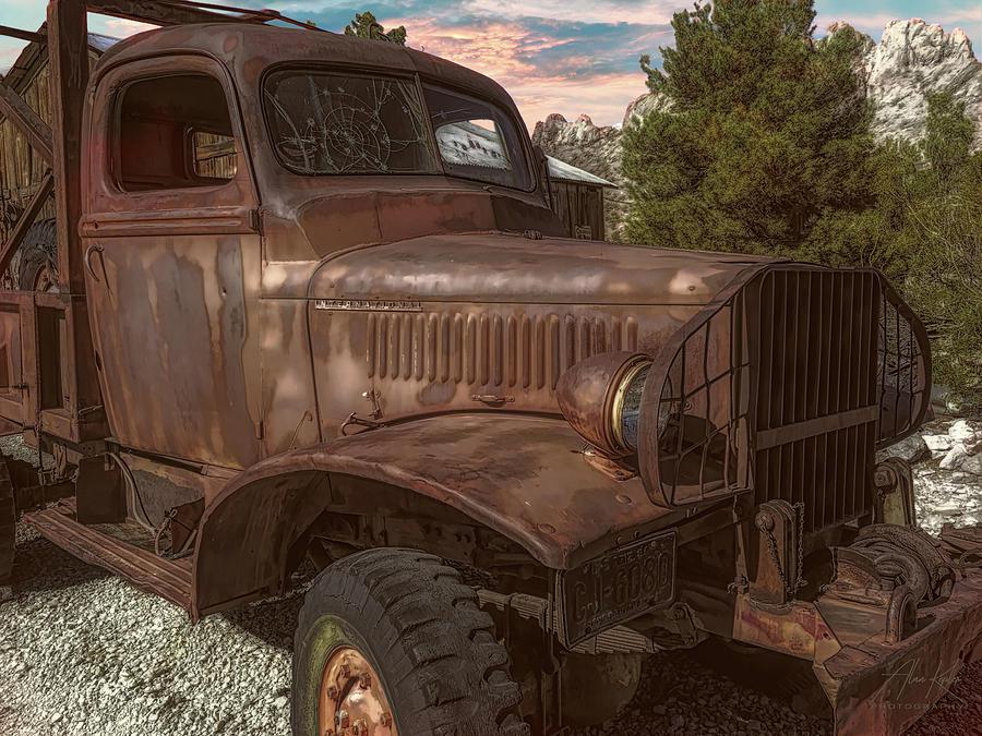 Truckin 2 Photograph