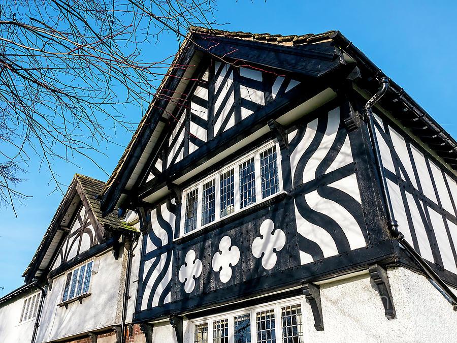 Tudor Style by Brenda Kean