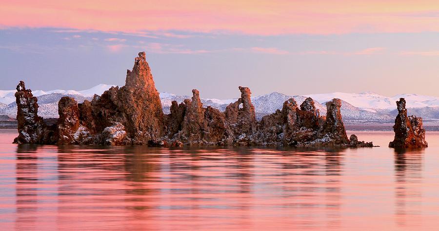 Sunrise on The South Tufa Towers Mono Lake by Ed  Riche