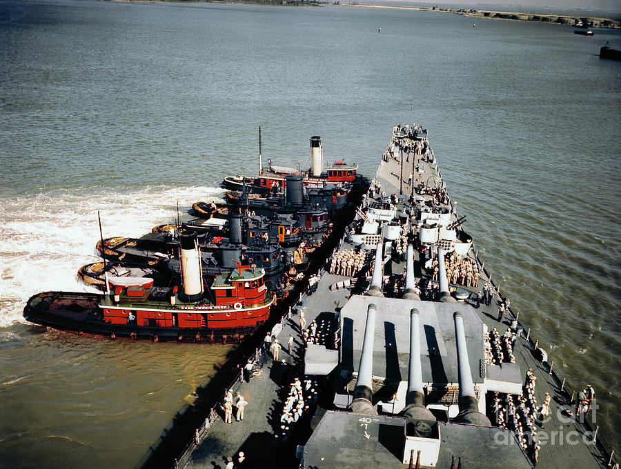 Tugboats Pushing The Missouri Photograph by Bettmann