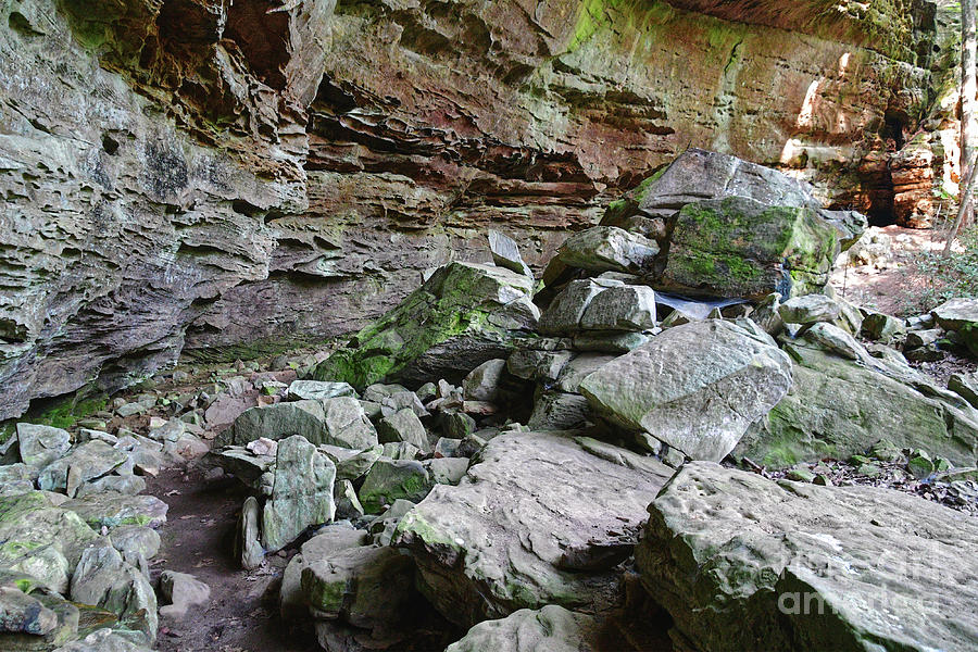Turkey Roost Rockhouse 2 by Phil Perkins
