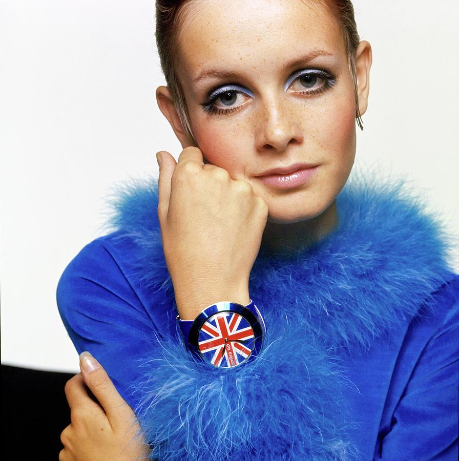 Twiggy in Blue with Union Jack Watch Drawing by Bert Stern
