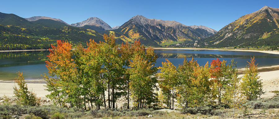 Twin Lakes Panorama by Aaron Spong
