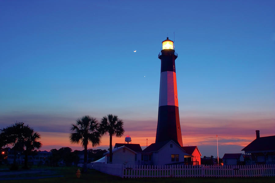 Tybee Island Lighthouse At Dusk Photograph by Jung-pang Wu