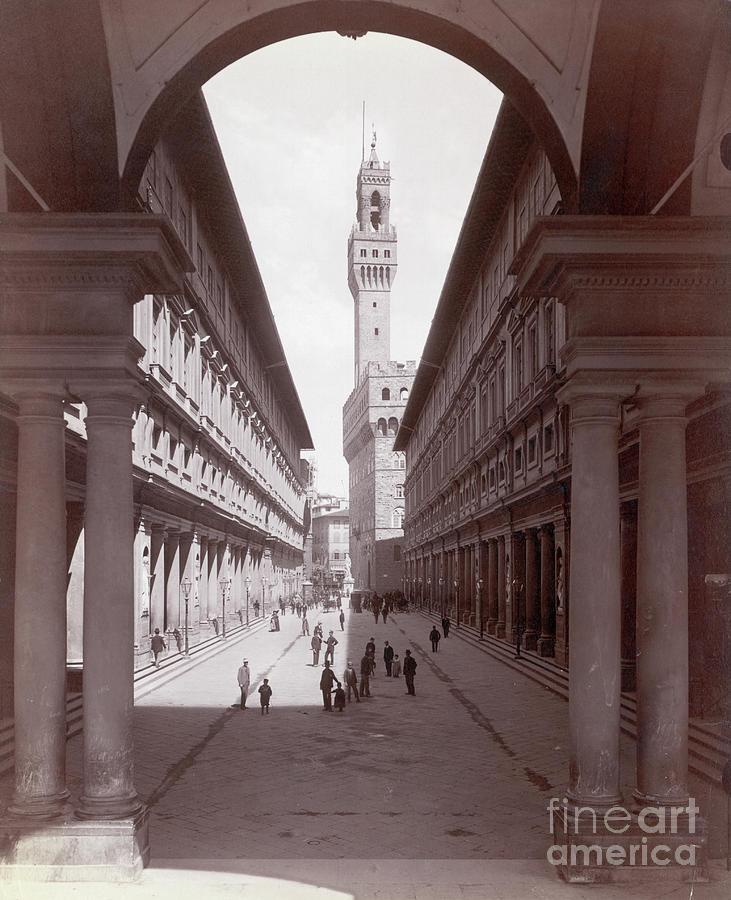 Uffizi Palace And Palazzo Vecchio Photograph by Bettmann