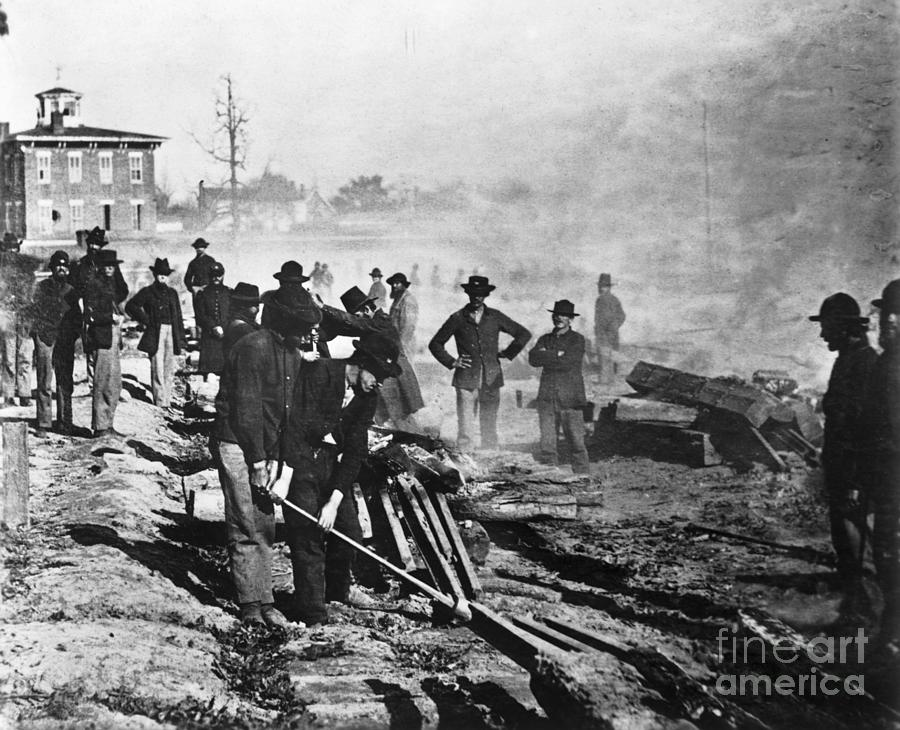 Union Soldiers Destroy Railroad Tracks Photograph by Bettmann