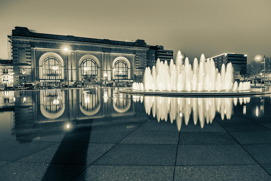 Union Station Bloch Fountain In Sepia - Kansas City Architecture Photograph