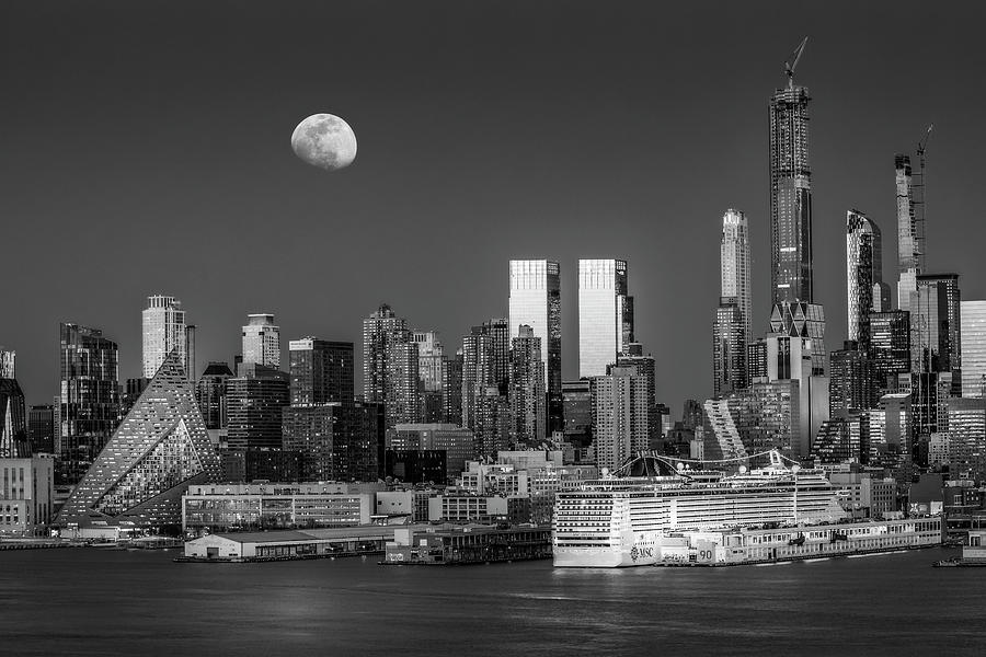 Upper NYC Syline Moonrise BW by Susan Candelario