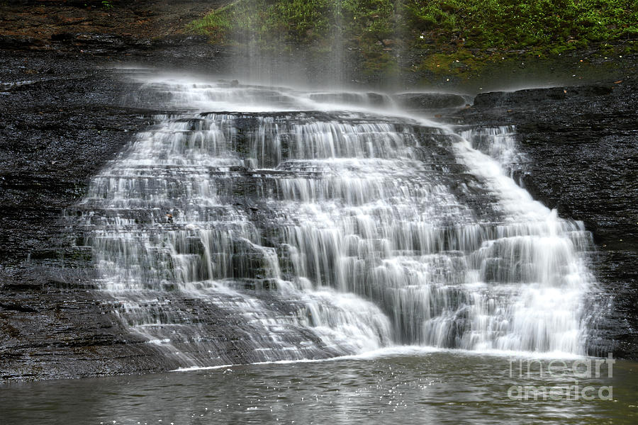 Upper Piney Falls 3 by Phil Perkins