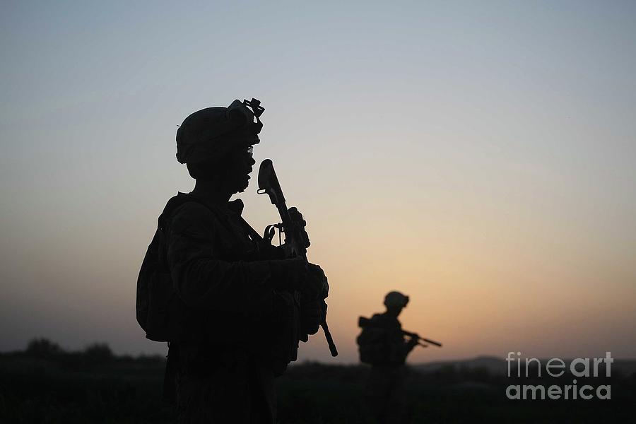 U.s. Marines Continue Suppression Photograph by Joe Raedle