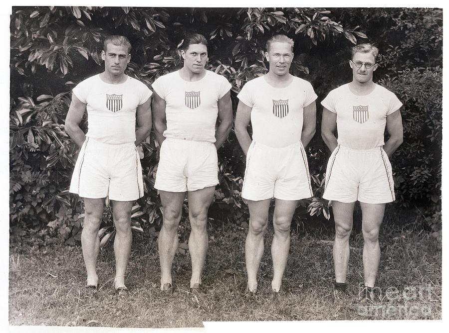 U.s. Olympic Decathlon Team Photograph by Bettmann