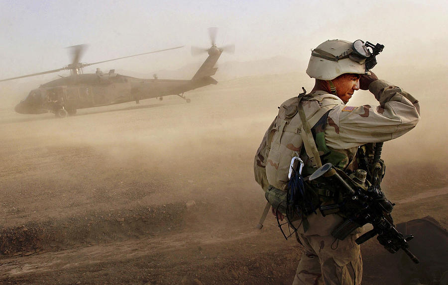 Us Soldiers On Special Operations In Photograph by Chris Hondros