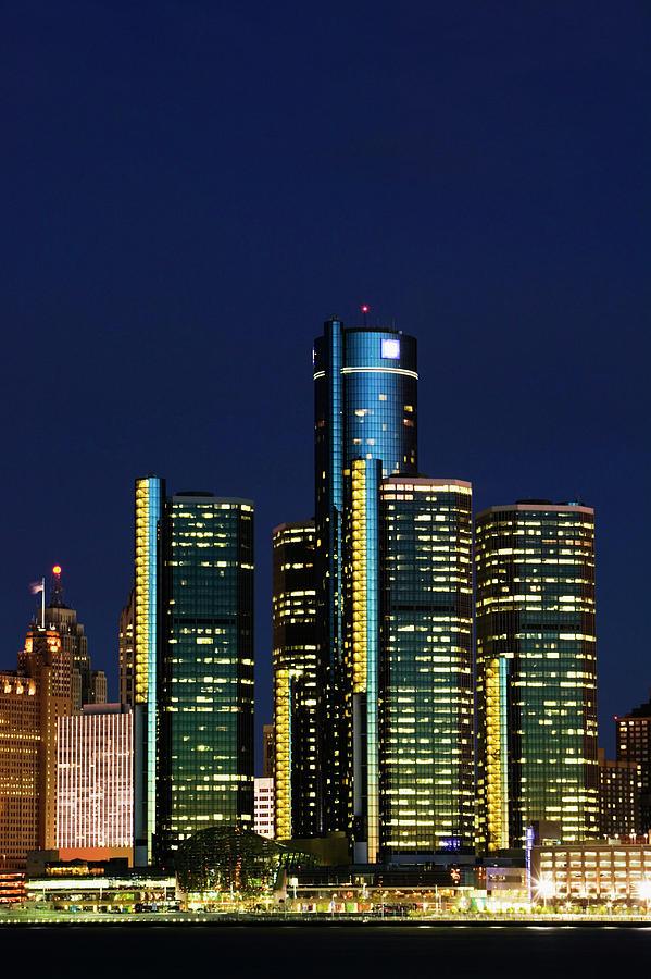 Usa, Michigan, Detroit, Skyline & Photograph by Walter Bibikow