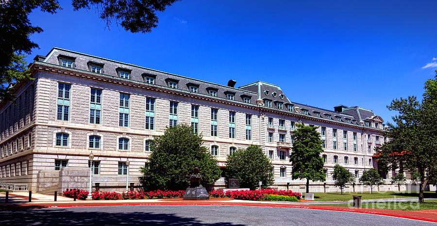 Usna Photograph - Usna Bancroft Hall Exterior by Olivier Le Queinec