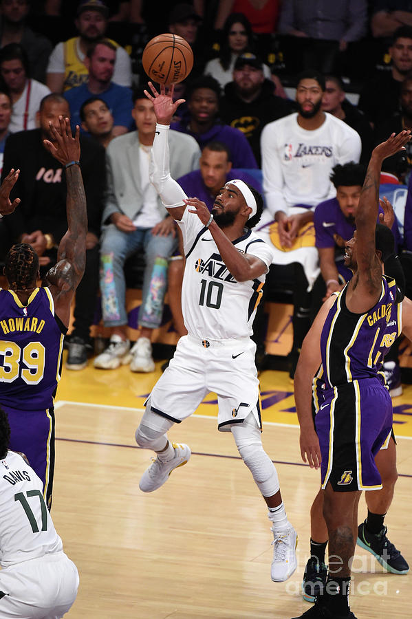 Utah Jazz V Los Angeles Lakers Photograph by Adam Pantozzi