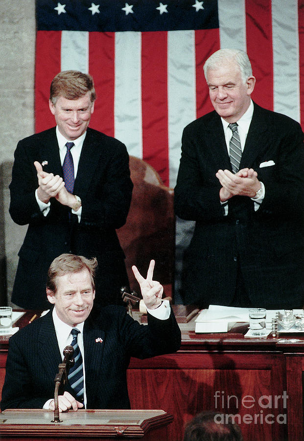 Vaclav Havel Gives V-sign In Congress Photograph by Bettmann