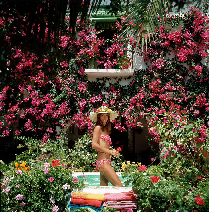 Straw Hat Photograph - Valerie Cates by Slim Aarons